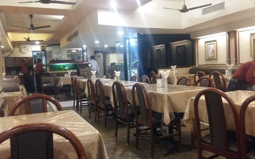 Moti Mahal Restaurant - Best Restaurant Serving Authentic Lucknowi Food In Lucknow