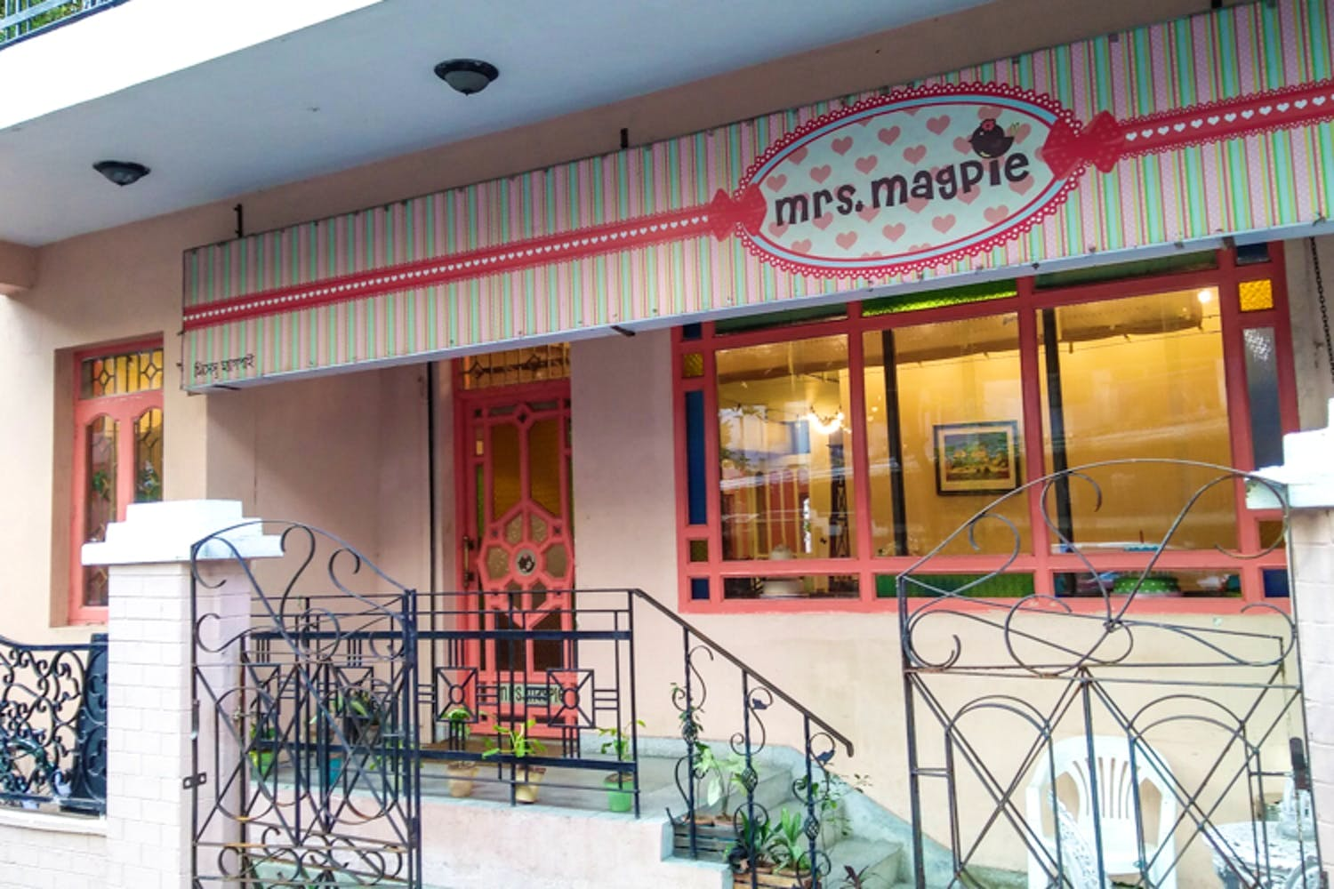 Mrs. Magpie - Restaurants In Kolkata That Every Tourists Must Visit