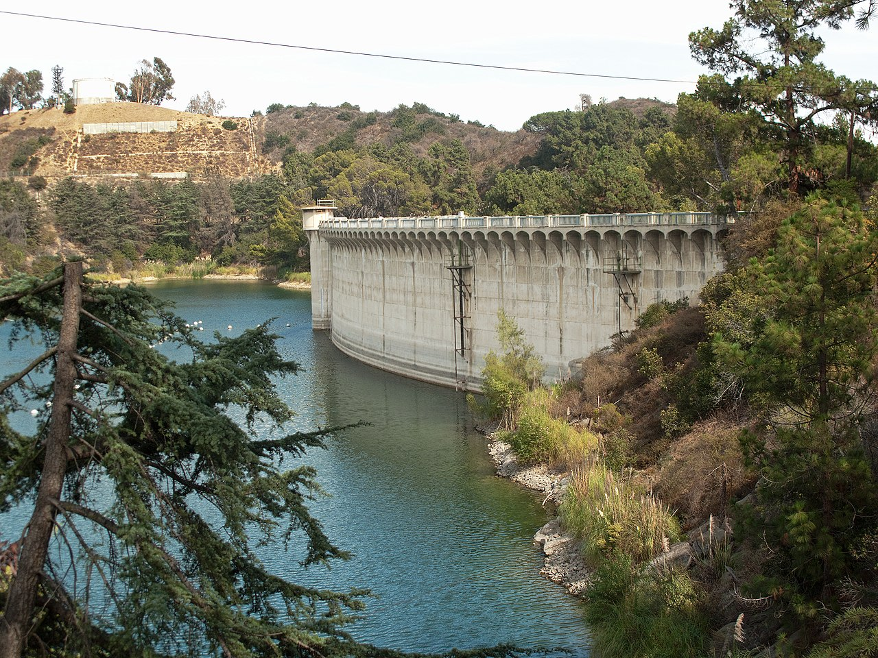 Mulholland Dam - Enjoy the View of the Hollywood Sign From These 10 Best Locations