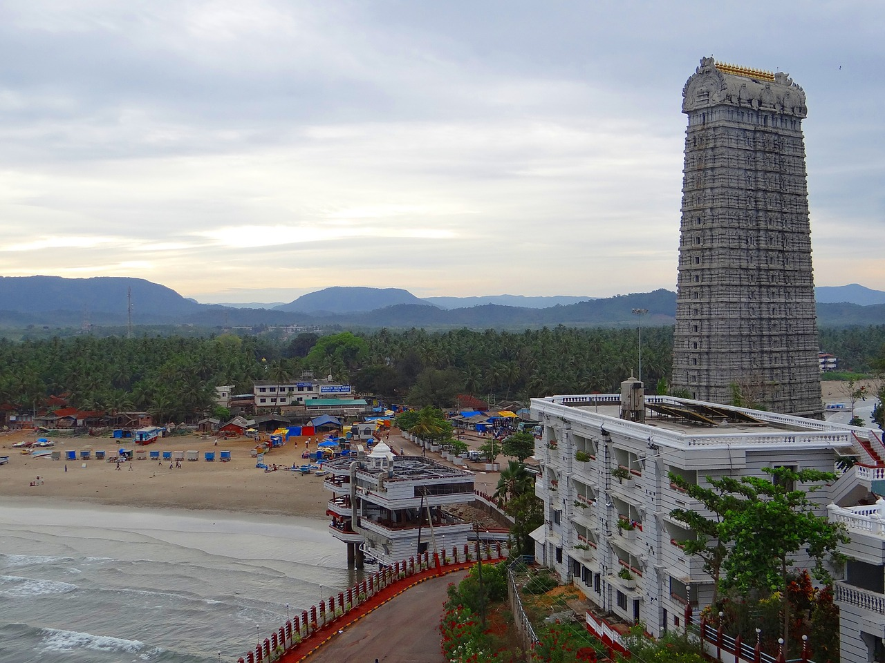 Top Famous Temple to Visit in Karnataka-Murudeshwar Temple, Bhatkal