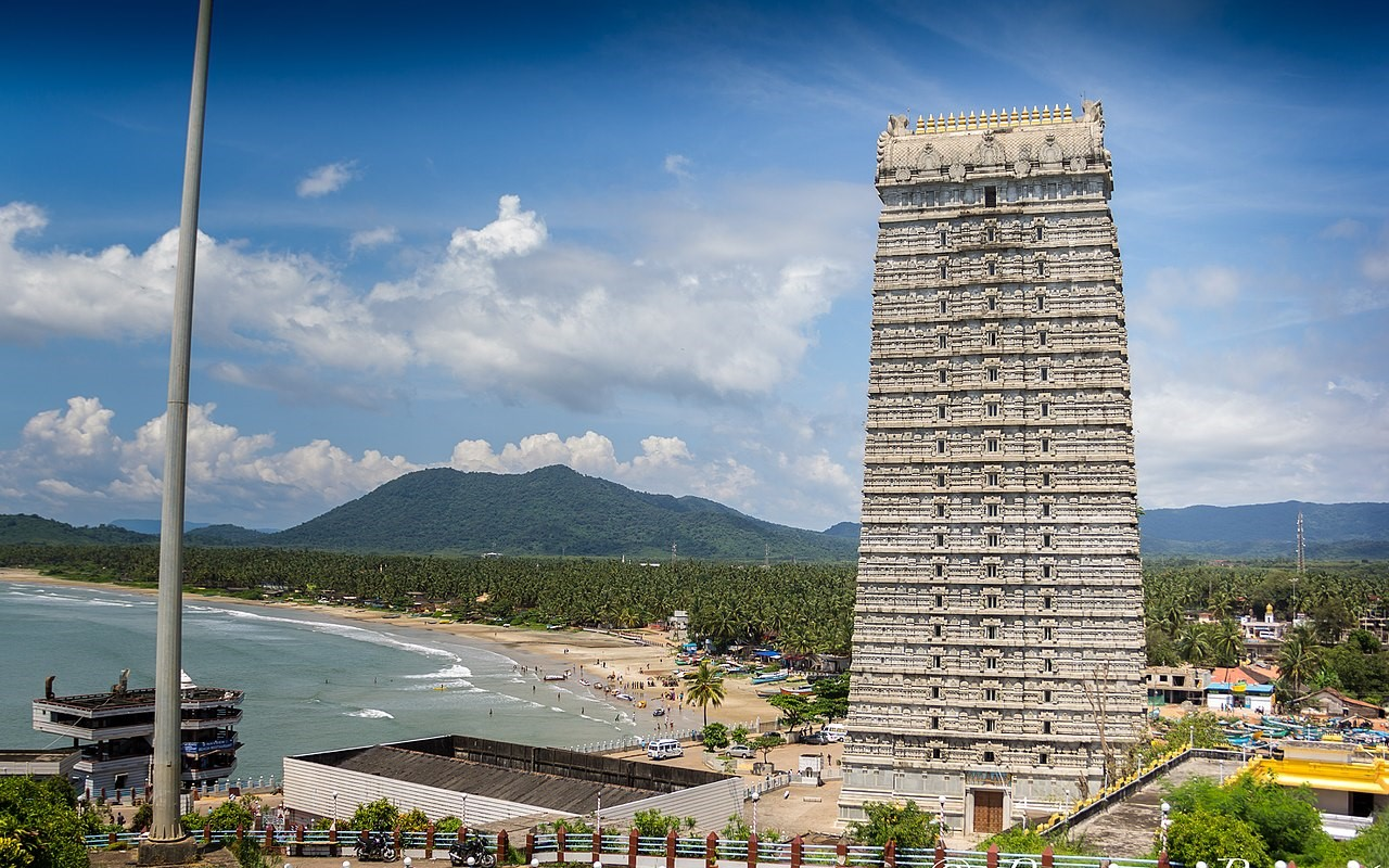 Murudeshwar, Karnataka - Best Place for Short Trips in India