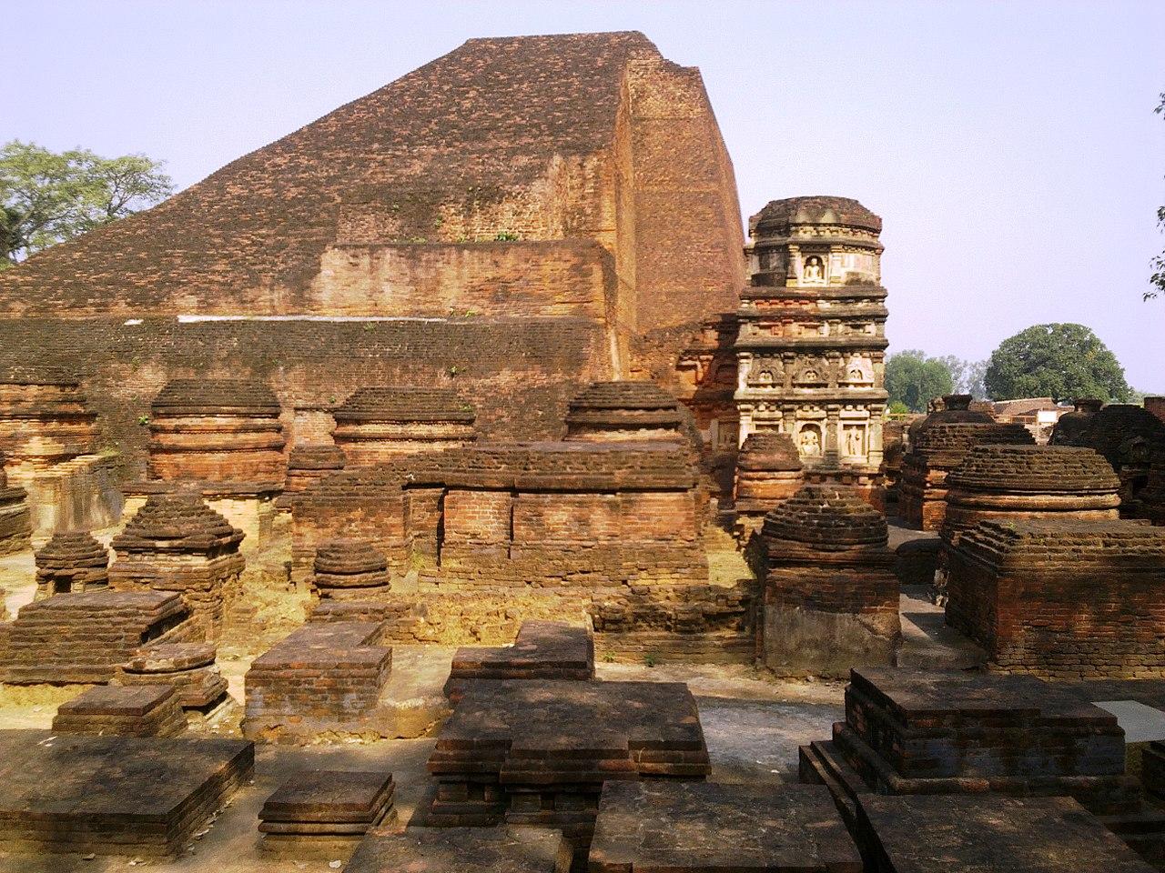 Top Attraction Place In Nalanda-Nalanda Stupa
