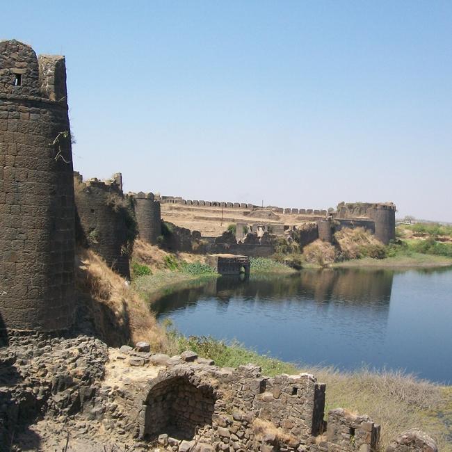 Naldurg Fort