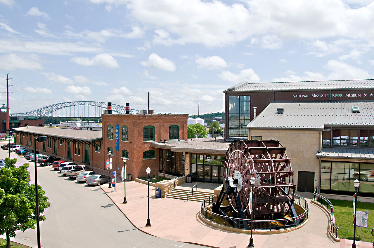 Top-Rated Sight Seeing Destination in Iowa-National Mississippi River Museum and Aquarium