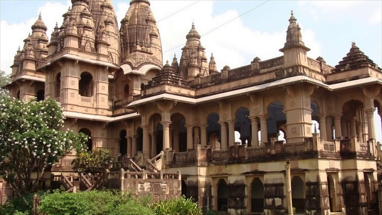 Popular Place to Visit Near Baba Baidyanath Temple in Deoghar-Naulakha Temple