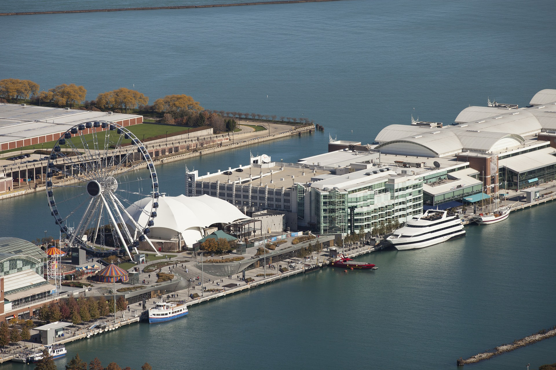 Beautiful Place to Visit In Illinois-Navy Pier