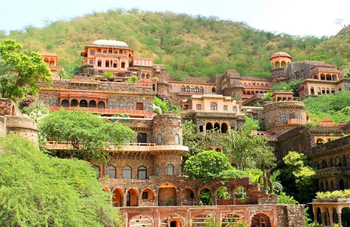 Amazing Palace To Stay In Rajasthan-Neemrana Fort Palace