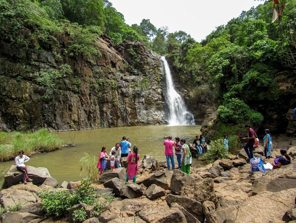 How To Reach Ninai Waterfalls in the Narmada District, Gujarat