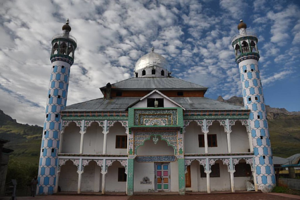 Best Place to See in Dras-Ningoor Masjid