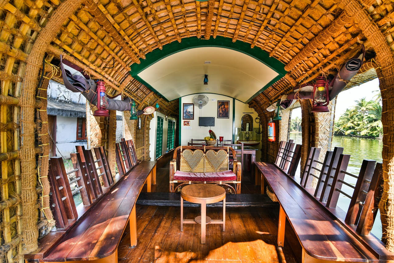 Top Houseboat in Alleppey-Nova Holidays Houseboat