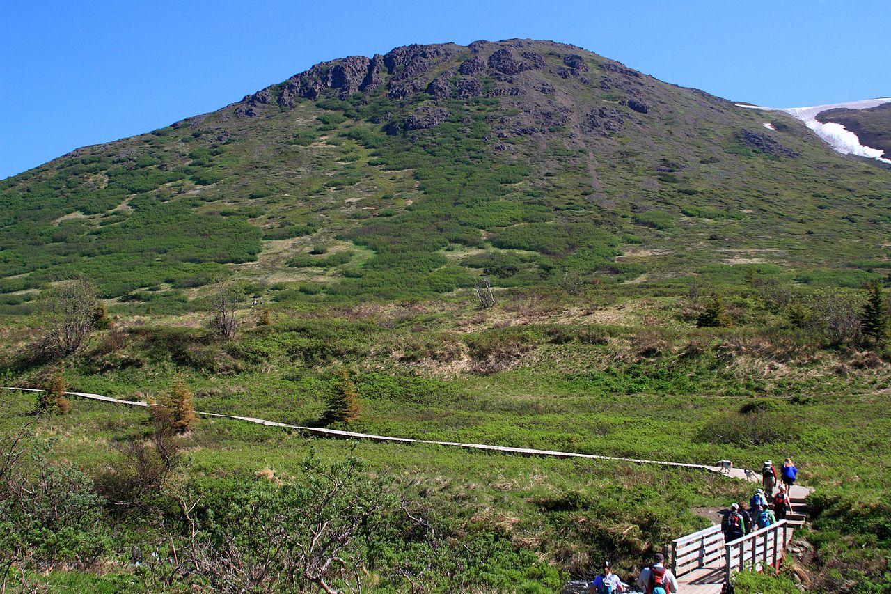 Popular Park & Hiking Trail To Visit In Alaska-O'Malley Peak Hiking Trail