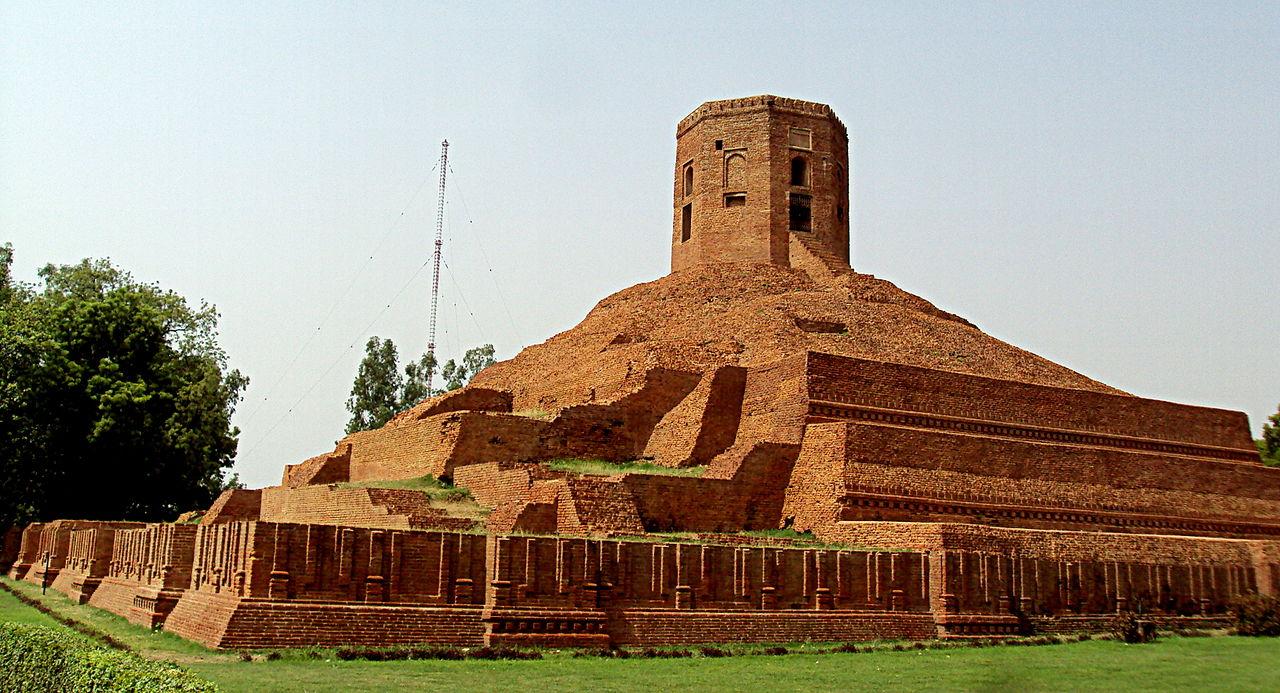 Visit Chaukhandi Stupa in Sarnath, Uttar Pradesh