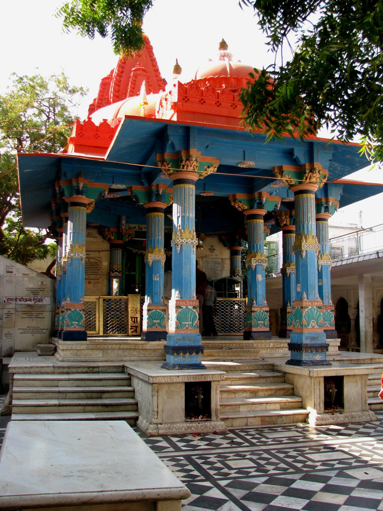 Visit Jagatpita Brahma Mandir or Brahma Temple, Pushkar
