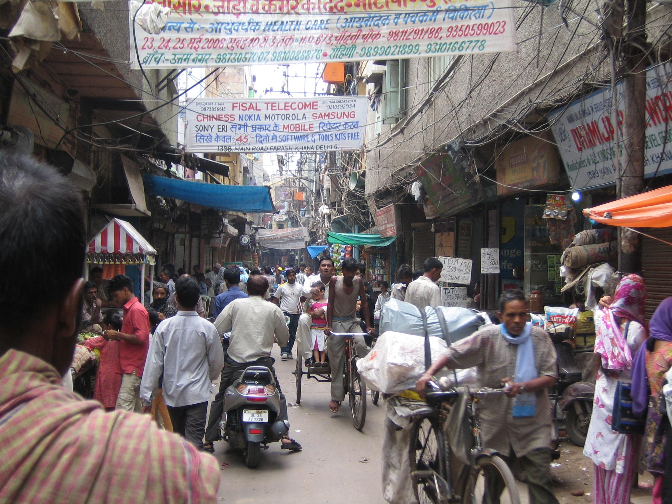 Paharganj Amazing Market to Shop in Delhi