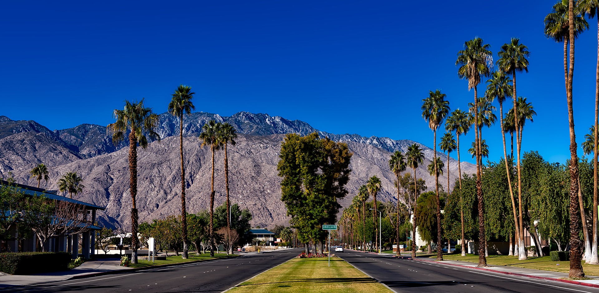 Nice Place to Visit In California-Palm Springs