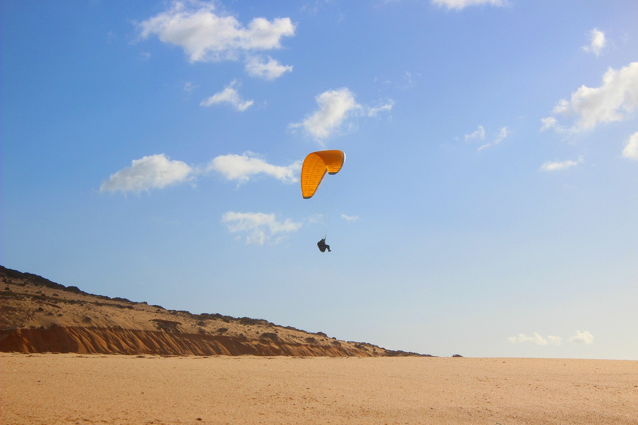 Amazing Activities That Tourist Must Experience In Rajasthan-Paragliding