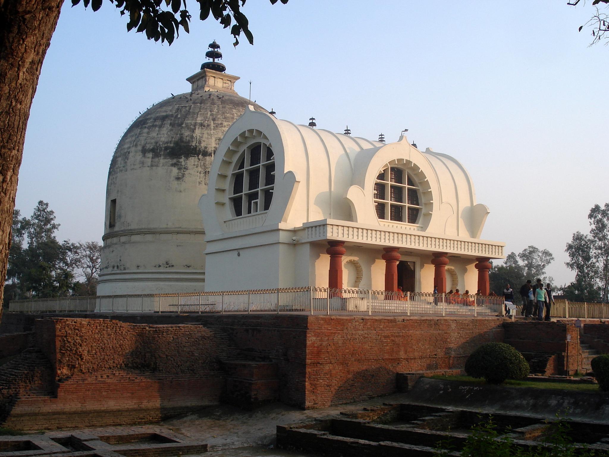 Places of Interest in Kushinagar-Parinirvana Stupa