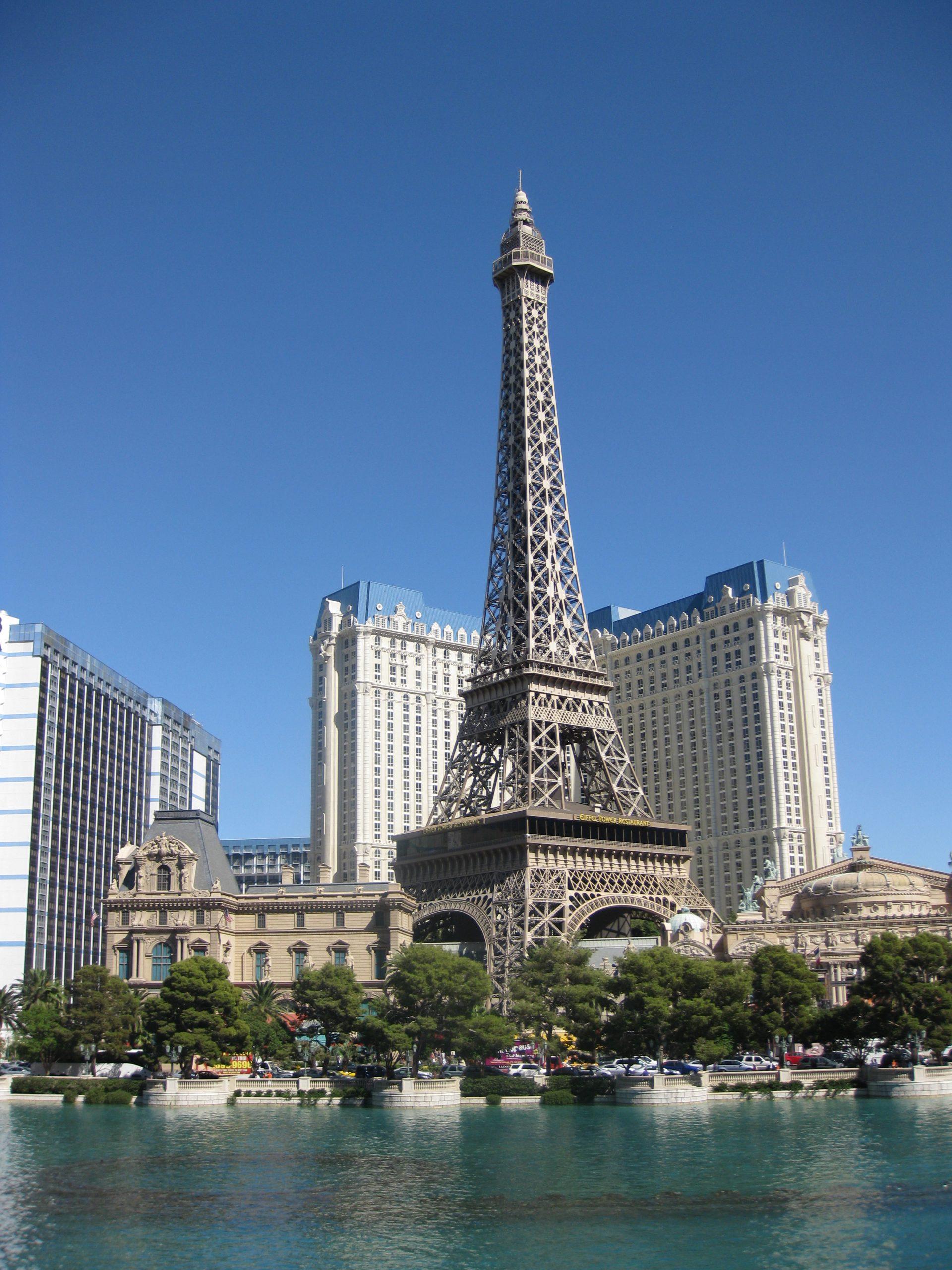 Paris Las Vegas - Mid-Range Hotels To Stay In Las Vegas