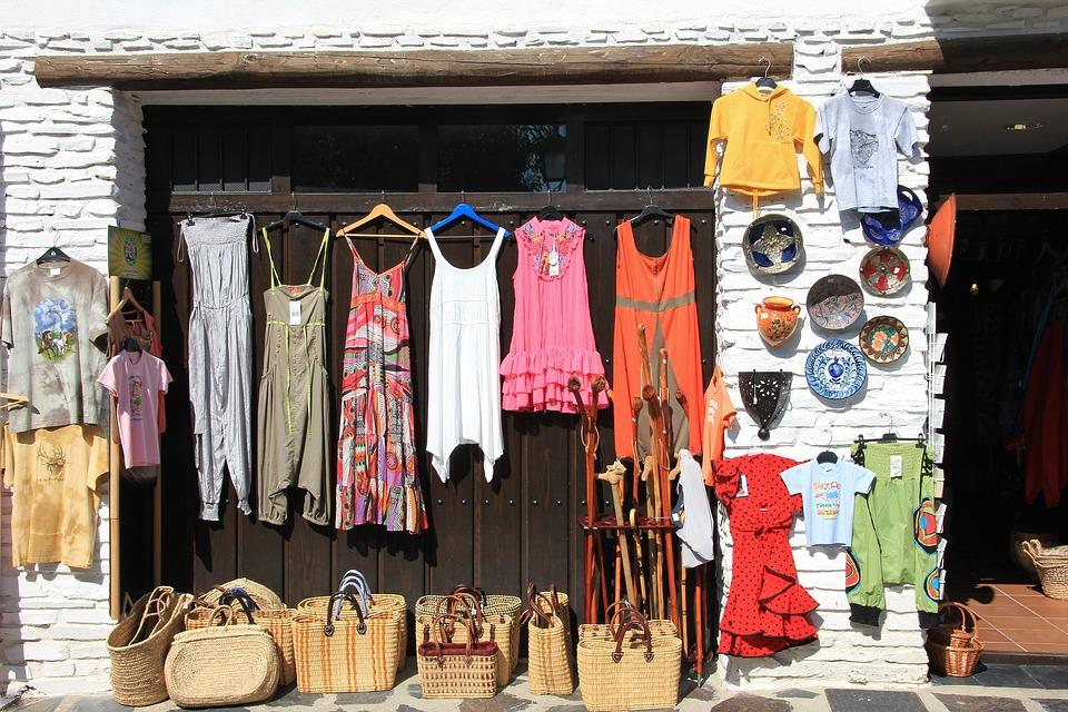 Best Shopping Destination in Darjeeling to Self-Indulge - Pashupatinagar Market