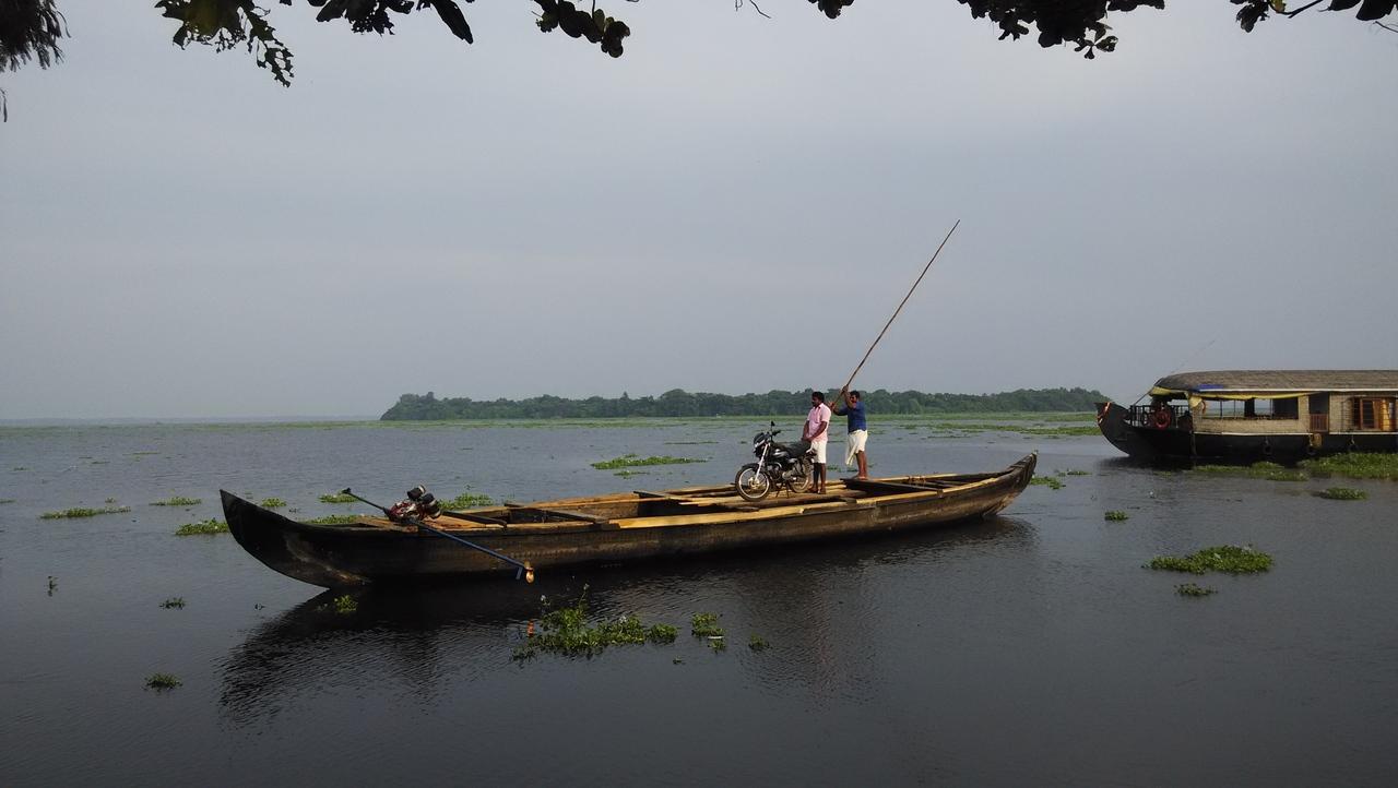 Popular Attraction in Kottayam-Pathiramanal