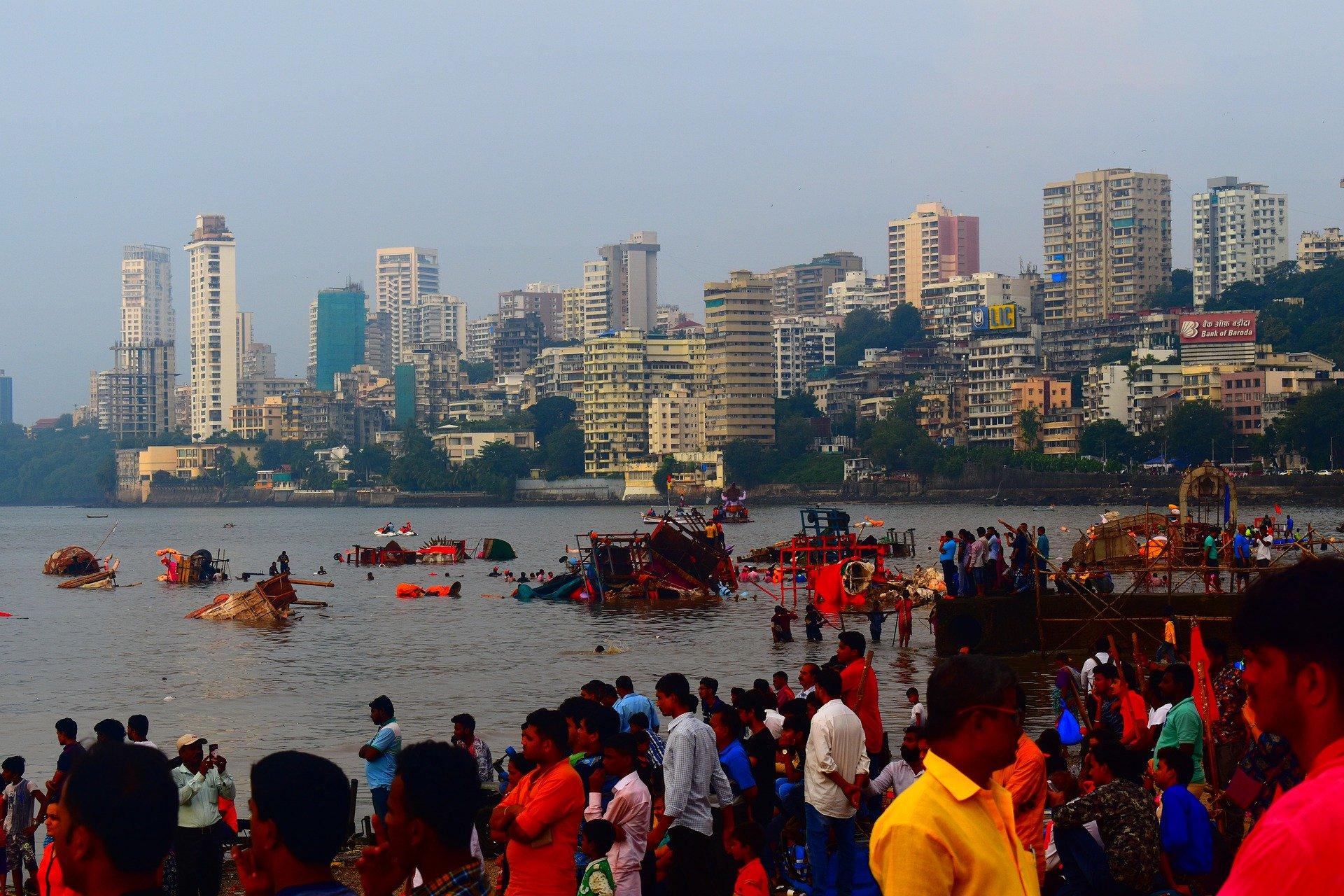 Know About Mumbai People
