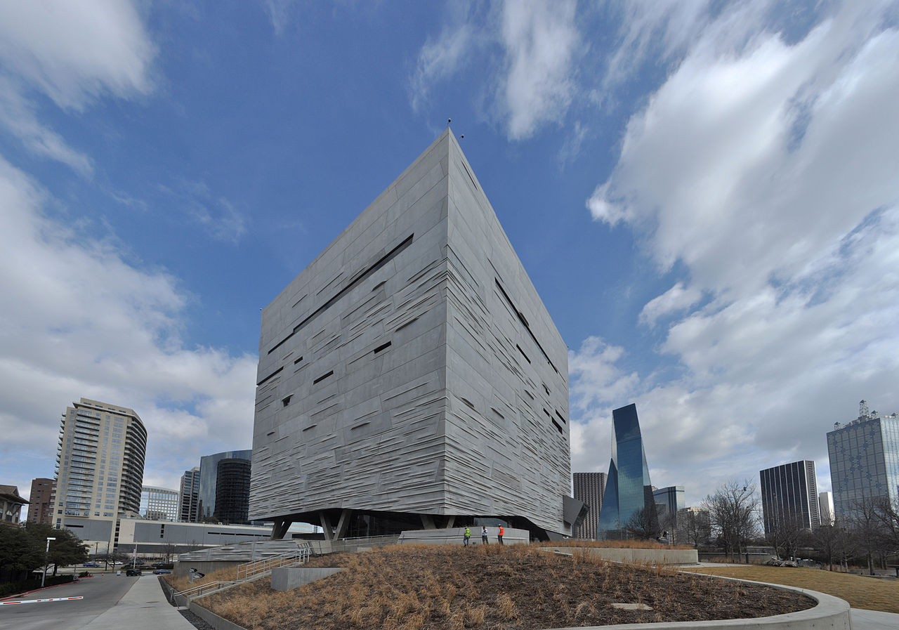 Top-rated Museum To Visit In Texas-Perot Museum of Nature and Science, Dallas