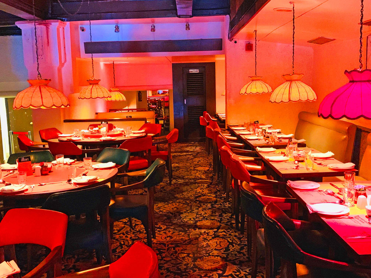 Peter Cat - Restaurants In Kolkata That Every Tourists Must Visit