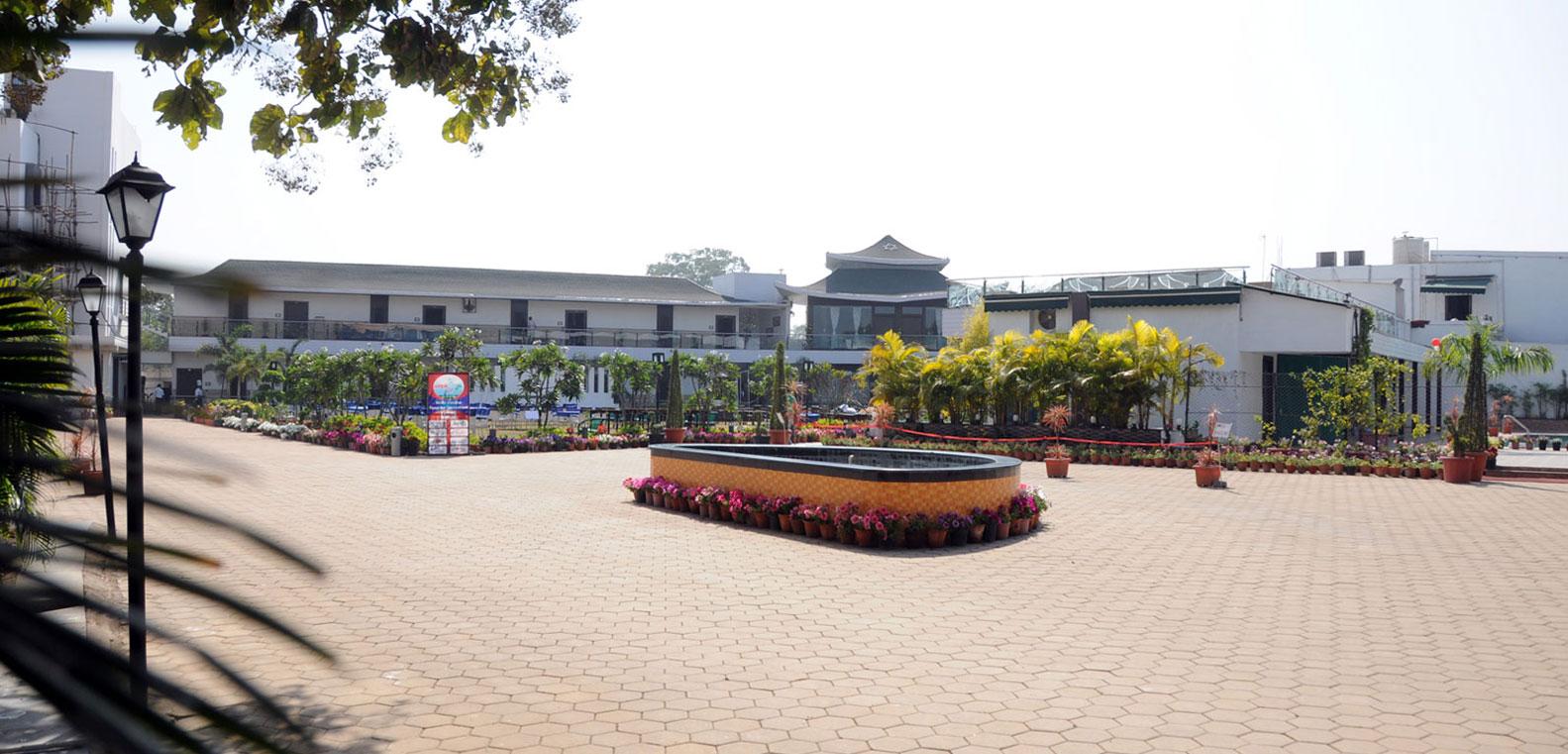 Hotel Mid–Range in Chhattisgarh-Pleasure Club