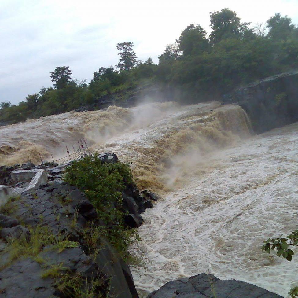 Place to Visit Near the Kuntala Falls-Pochera Falls