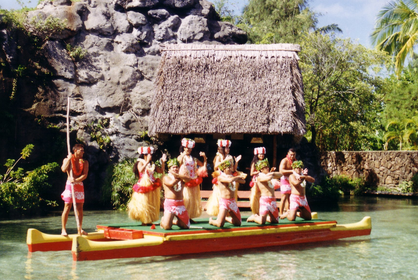 Best Visiting Place In Hawaii-Polynesian Cultural Centre