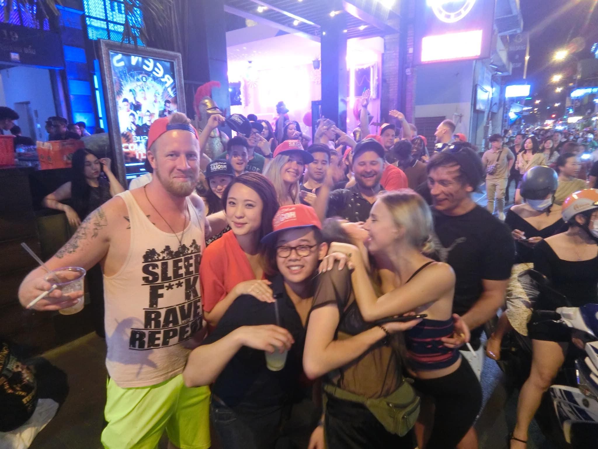 Pub crawls Saigon nightclub in Ho Chi Minh City