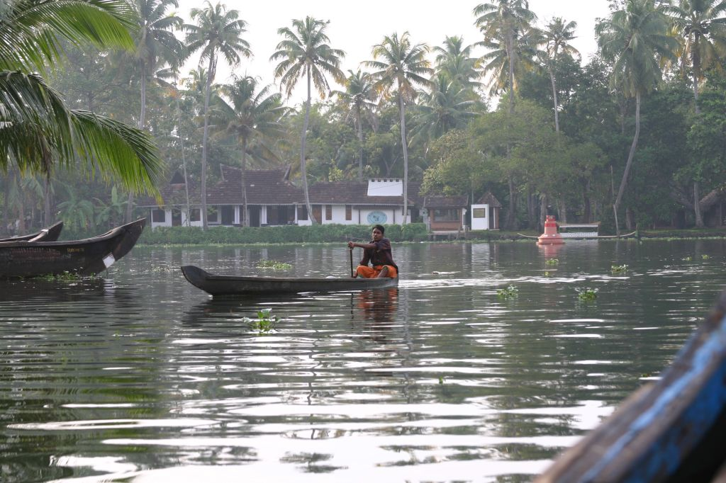 Most Beautifully Pristine Lake of Kerala-Punnamada Lake