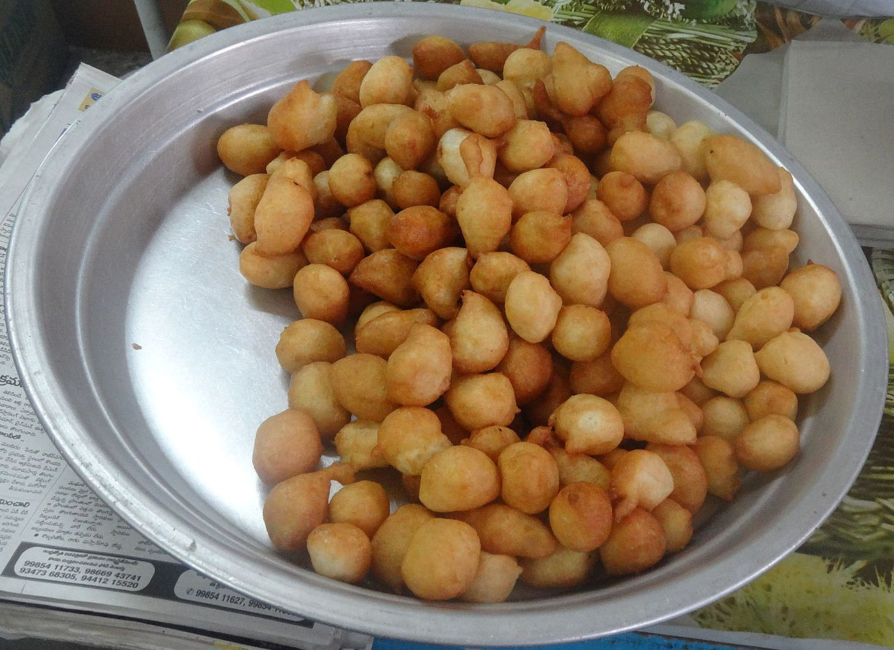 Best Andhra Dish to Try-Punugulu