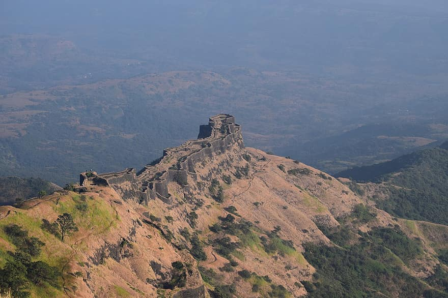 Amazing Forts Within 100 Kms from Pune-Rajgad Fort