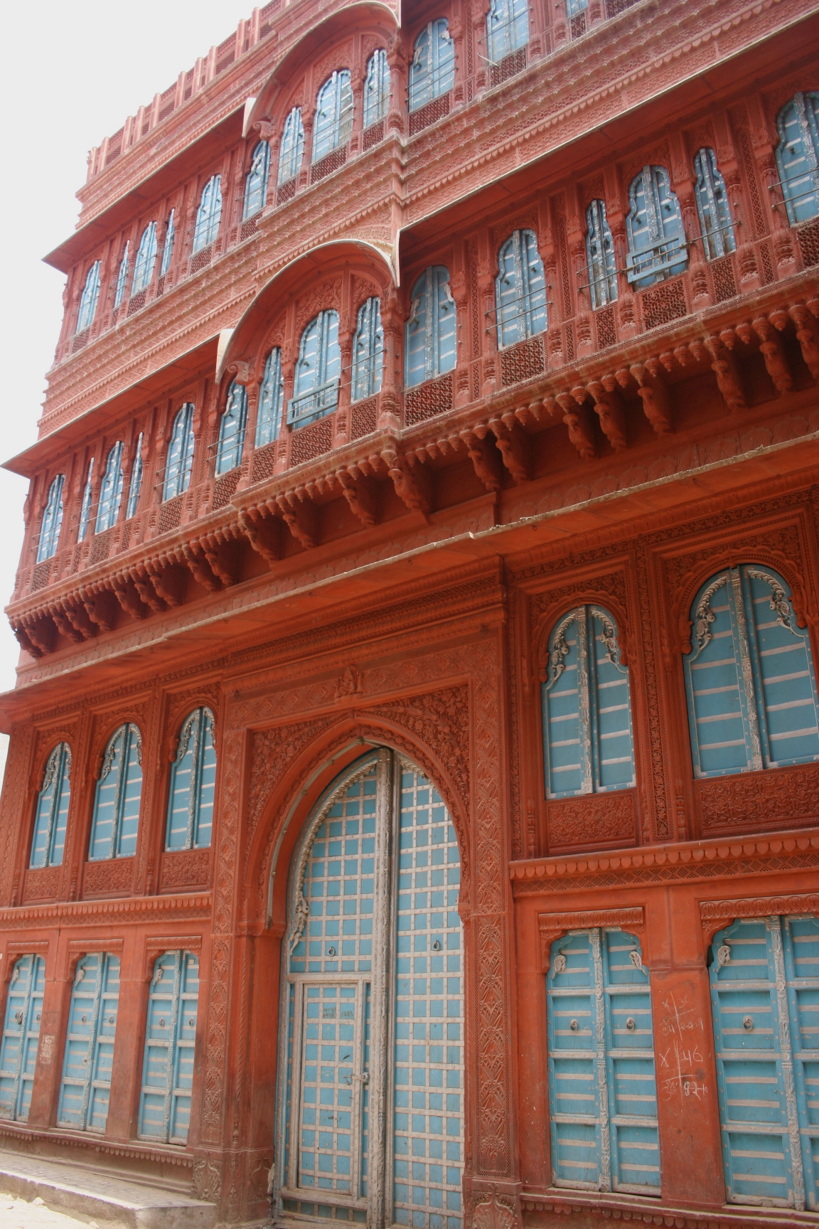 Sight-Seeing Destination in Bikaner-Rampuria Haveli