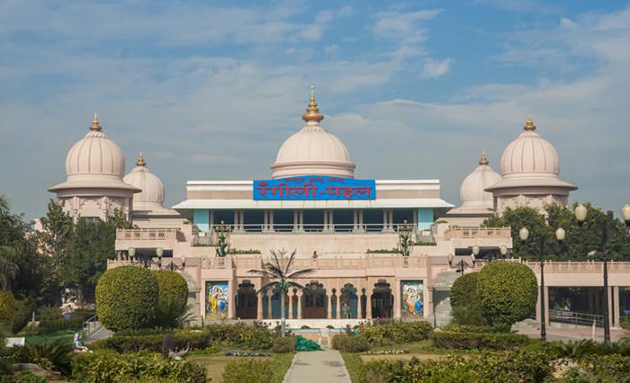 Must Visit Place in Barsana-Rangeley Mahal