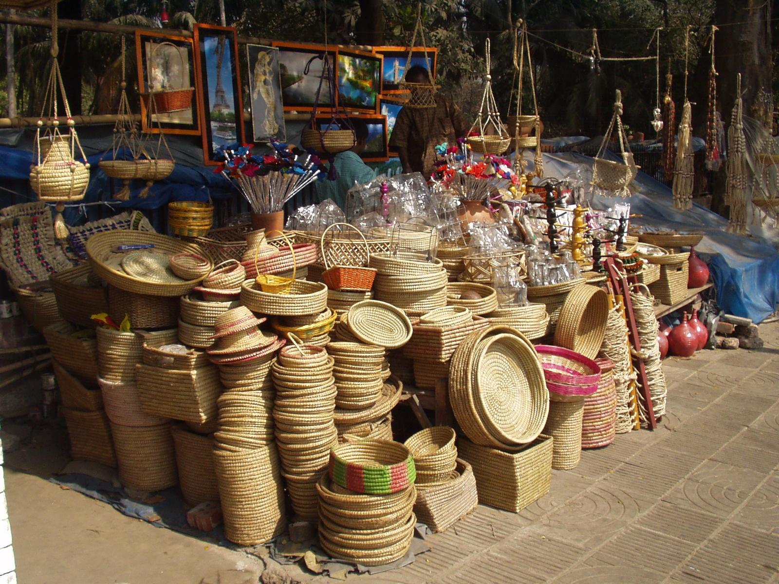 rani no haziro market-handicraft items shopping in ahmedabad
