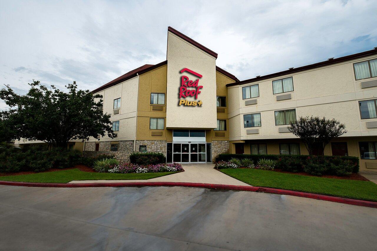Nice Budget Hotel in Houston-Red Roof PLUS+ Houston - Energy Corridor