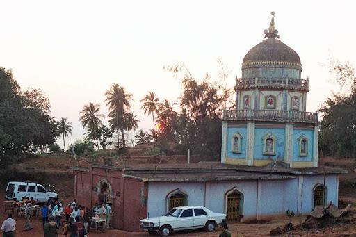Top Place to Visit in Vengurla-Redi Ganpati Temple