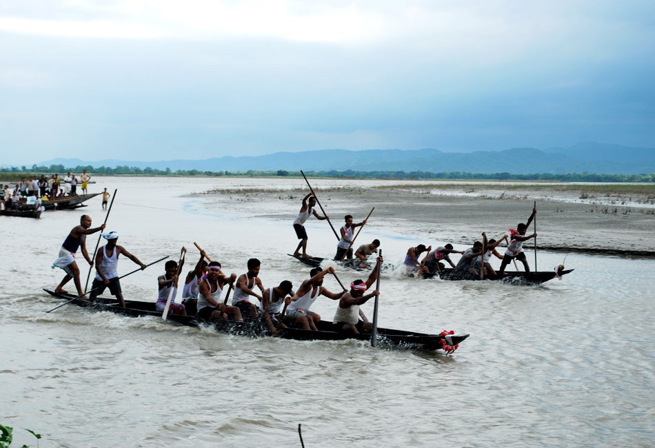Amazing Things To Do And See In Sualkuchi, Assam-River Brahmaputra