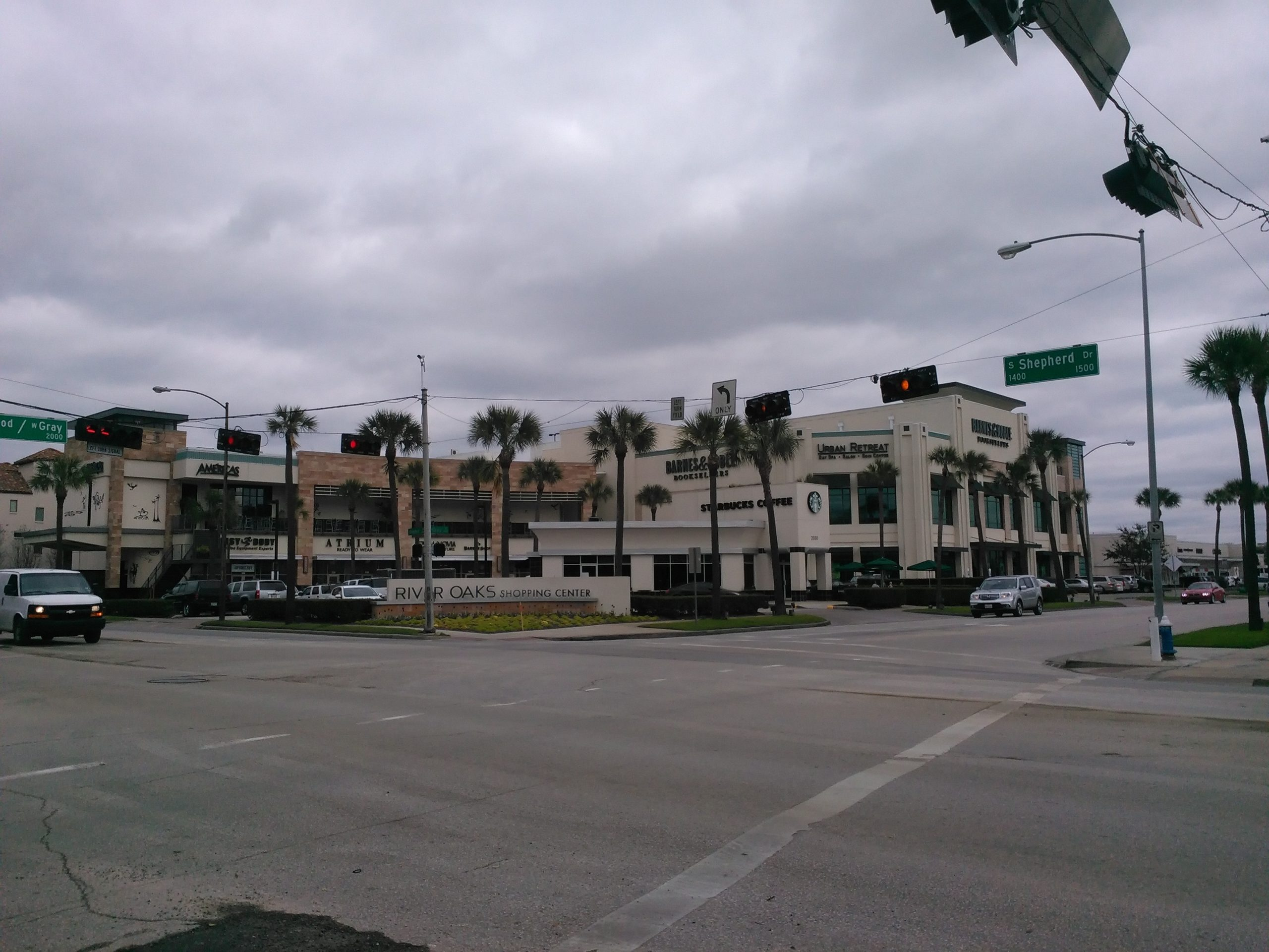 River Oaks Shopping Center-Amazing Place to Shop in Houston