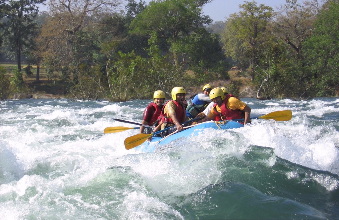 Best Things to do In Goa During the Monsoon-Go River Rafting in Mhadei River