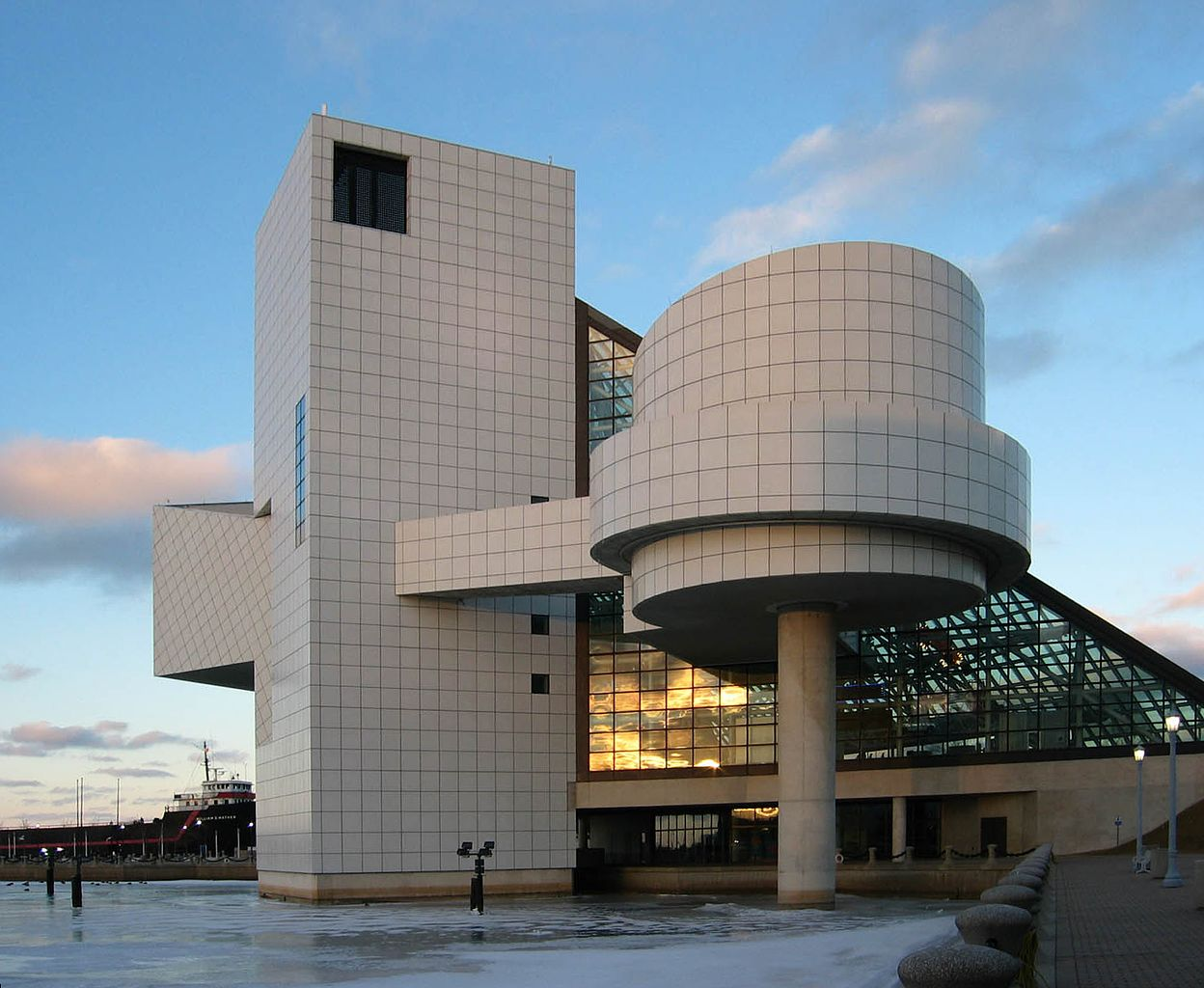 Amazing Sight-Seeing Destinations in Ohio-Rock & Roll Hall of Fame