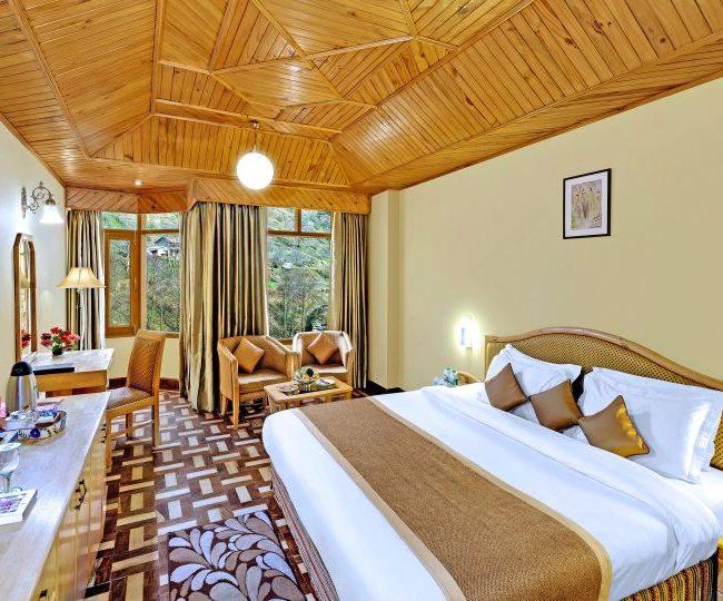 6 Days 5 Nights Hotel Manali INN & Volvo Tour Package