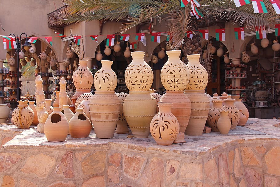 Where to Shop and What to Buy? Rosewood Handicrafts and Artifacts