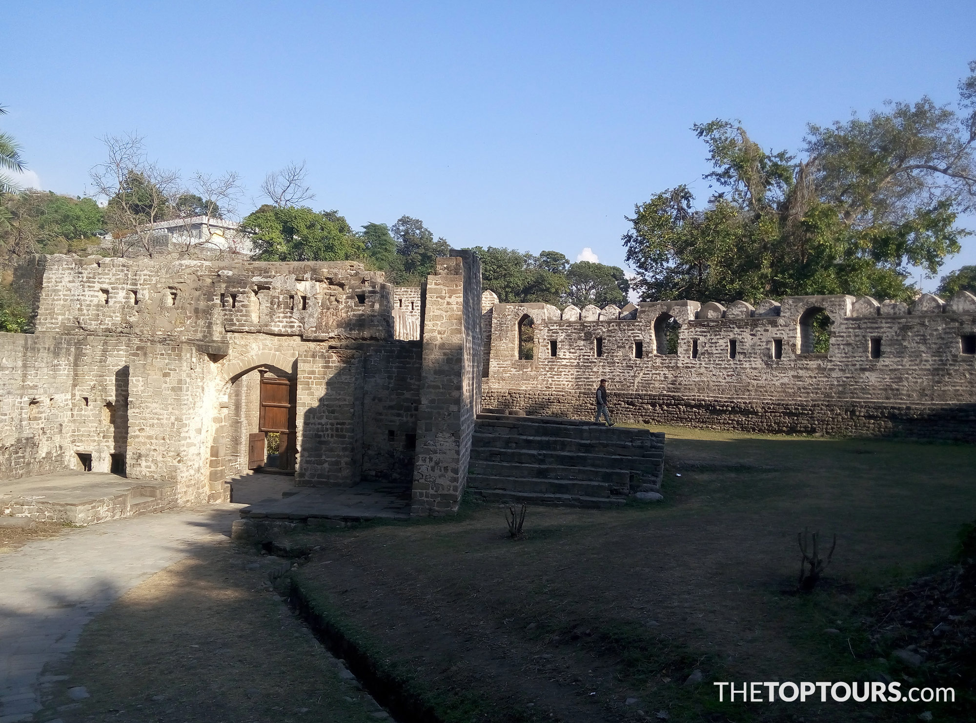 Kangra Fort Travel Guide