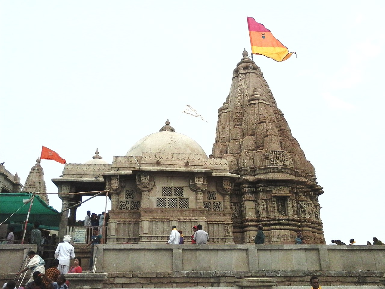 Best Place to Visit Nearby Dwarkadhish Temple, Rukmini Temple