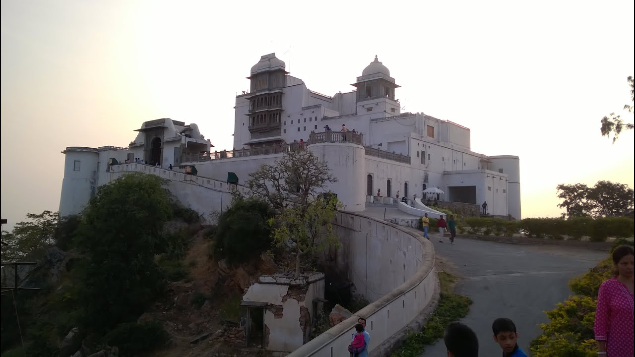 Famous Place To Visit In Udaipur-Sajjangarh Palace