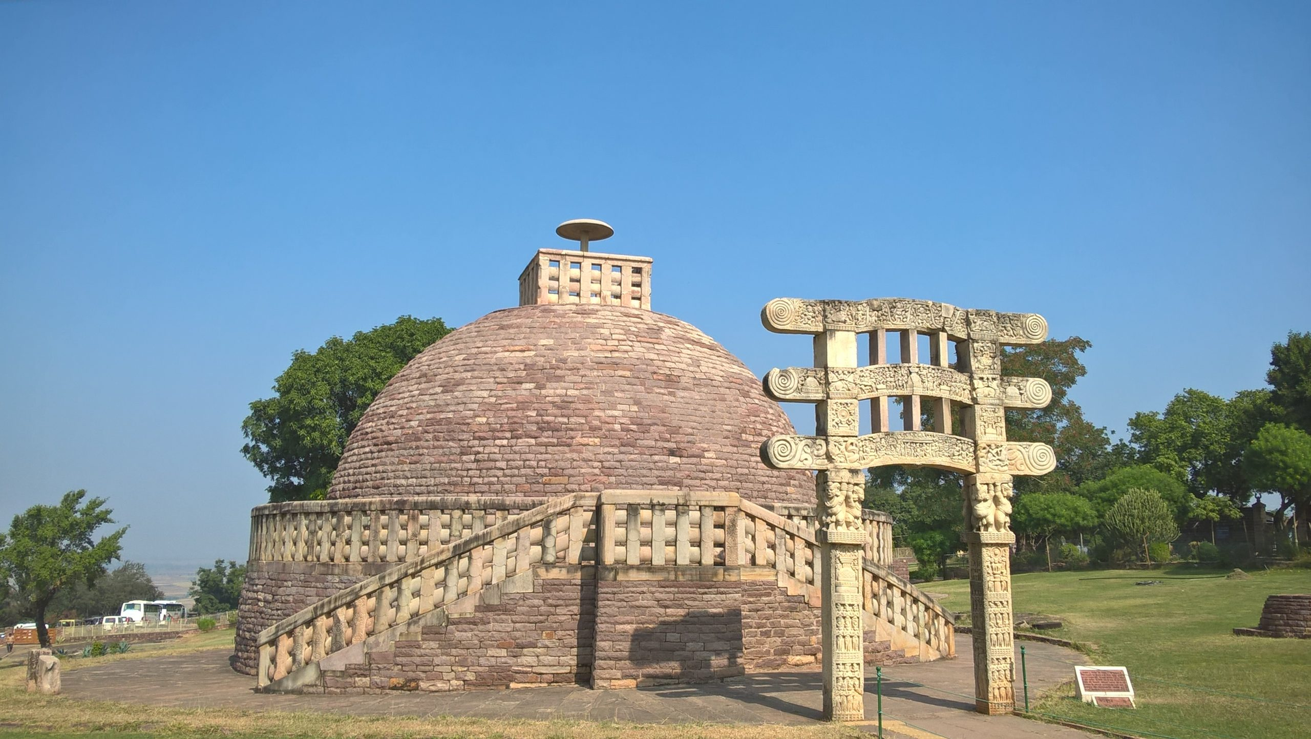 Top Place To Visit In Bhopal-Sanchi Stupa