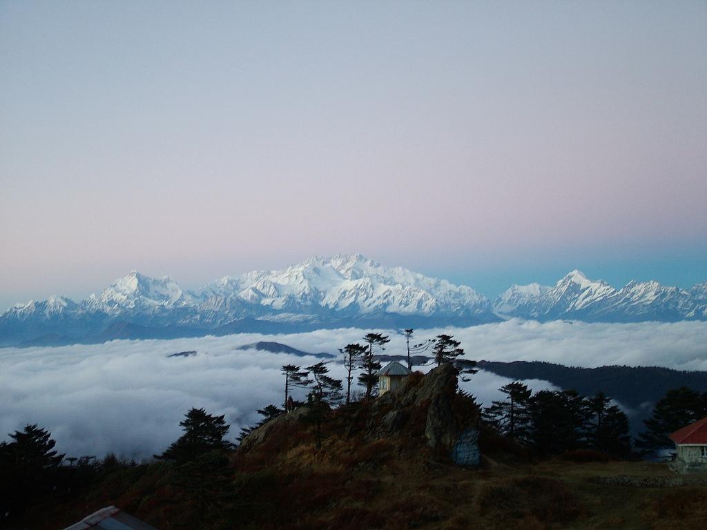SandakphuTrip: A Thorough Travel Guide (2021)